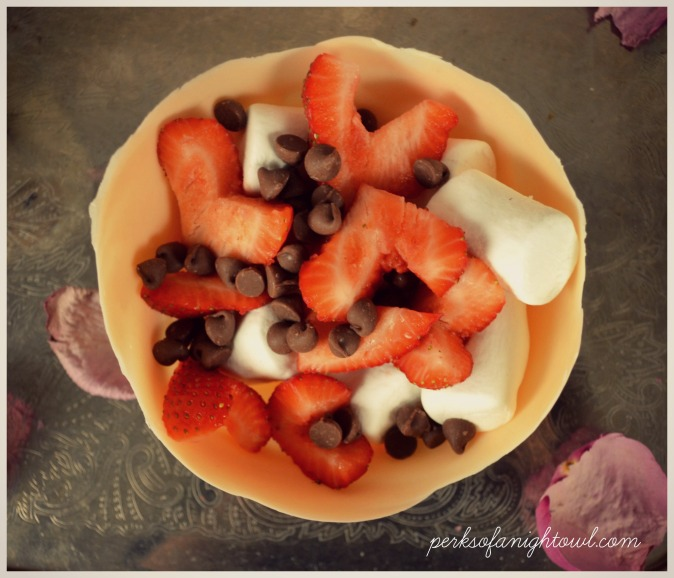 strawberry chocolate bowl pic